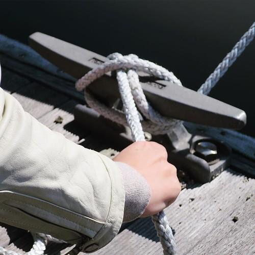 クリートにロープで係留する練習。そうだった、こうだった。