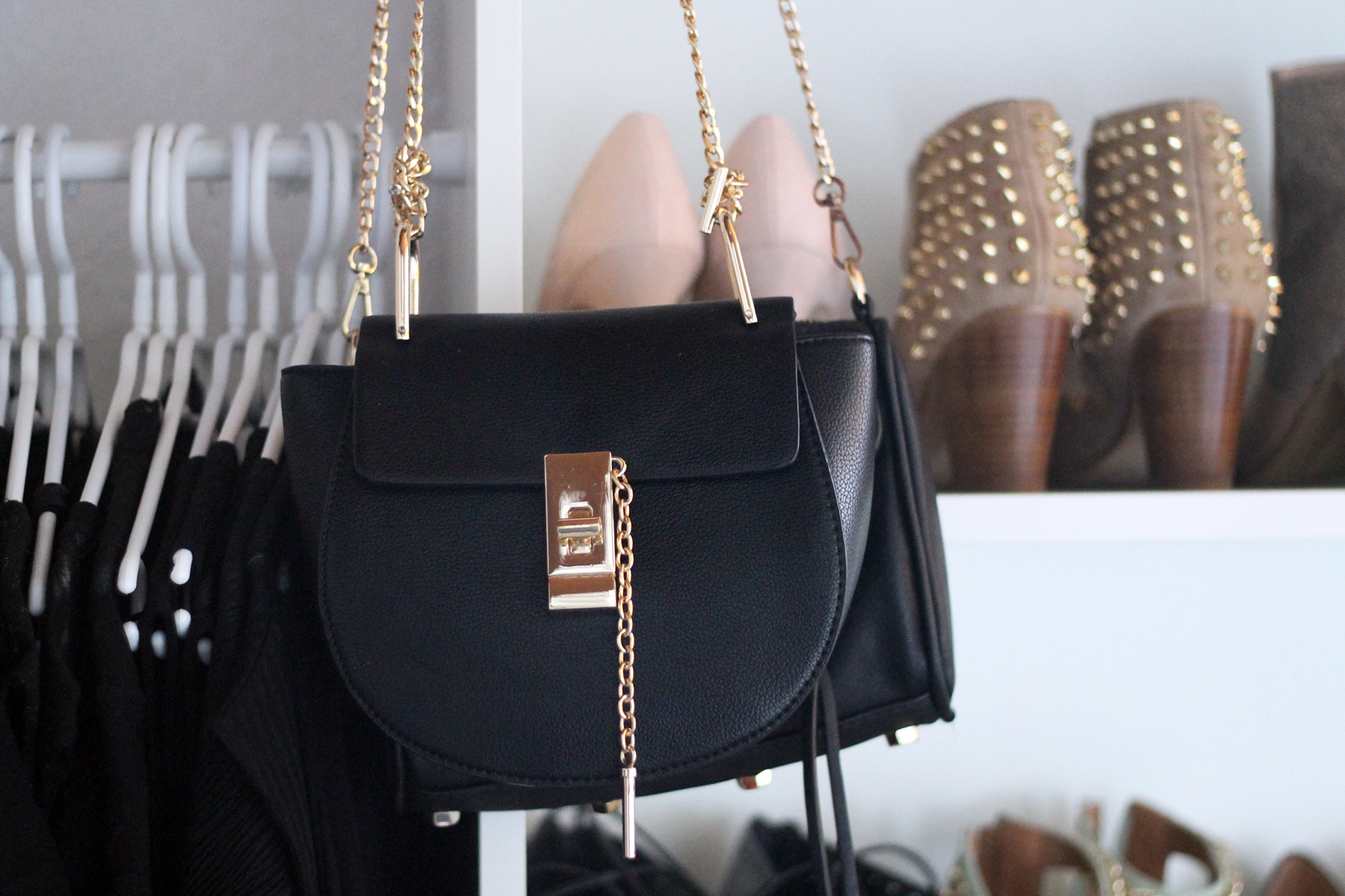 ankleidezimmer-kleiderschrank-modeblog-fashionblog-chloe-drew-lookalike
