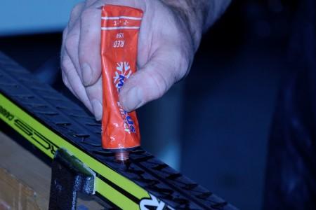 Příprava běžeckých lyží na odraz