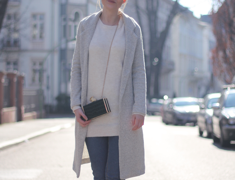 outfit ananas clutch frankfurt new look mantel jeans blogger westend sonne