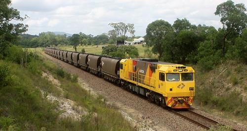AURIZON DURALIE MINE TO STRATFORD SHUTTLE. ARRANGED 3209 + train + 3221.