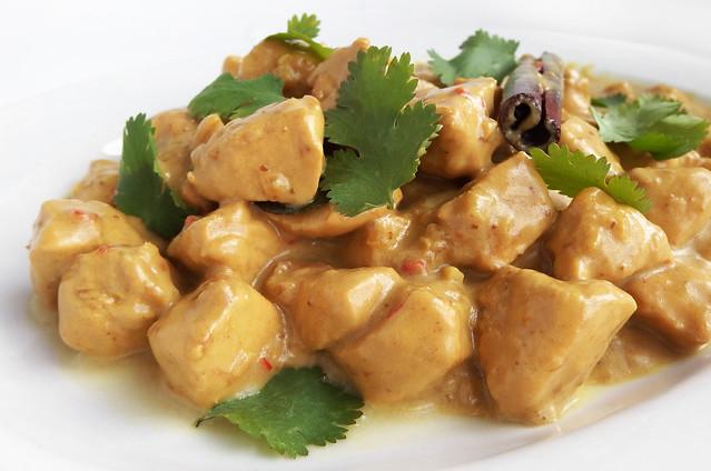 Curry van kip, kokosmelk en tamarinde