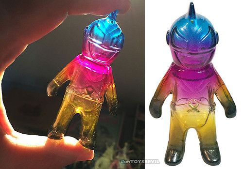 Collect-Display-ToyConUK-Captain-Maxx