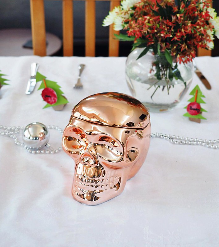 Huh, seems buying the 17 yo nephew a metallic skull for Christmas is a guaranteed way to win the #bestAunt award. - - - In related news it's meant to be a cookie jar, I don't think he'll be using it for cookies. In other, possibly related, news I totally