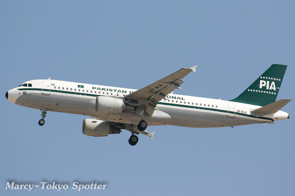 Pakistan International Airlines / A320-214 / AP-BLA