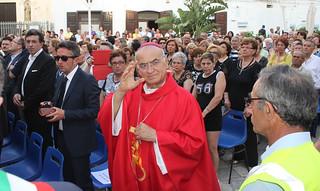 Il vescovo Domenico alla festa di San Vito a Polignano