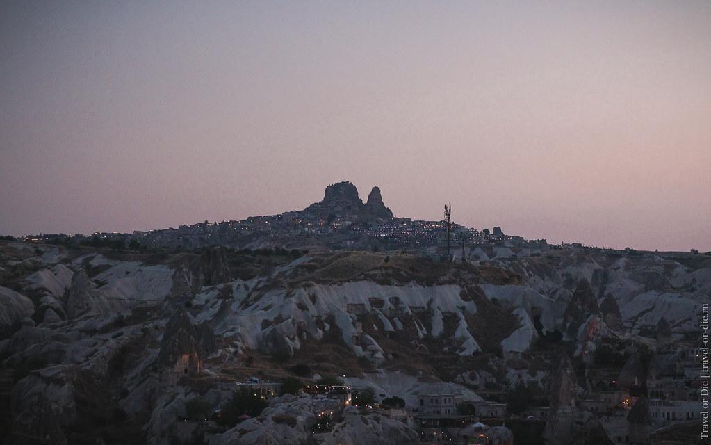 Uchisar Castle after sunset, Cappadocia / Крепость Учхисар после заката, Каппадокия
