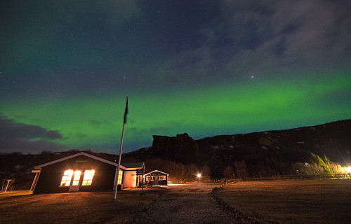 hut, aurora