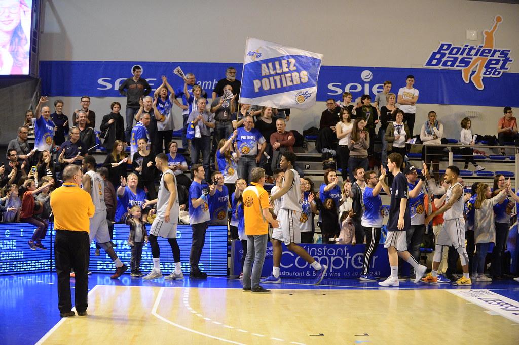 Le tour de la victoire, merci Poitiers!