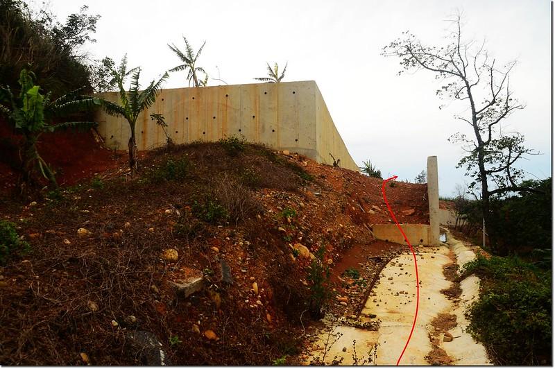 大金山水泥擋土牆入口