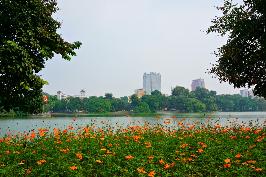 Hoan Kiem Lake - An island of tranquility in Hanoi