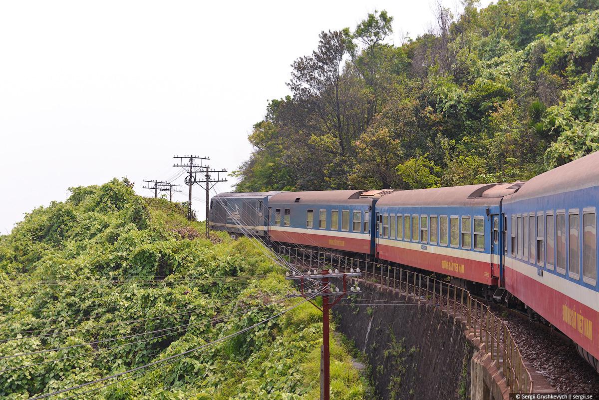 vietnam_reunification_express_train-49