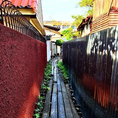 The original Thai sidewalk #bangkok