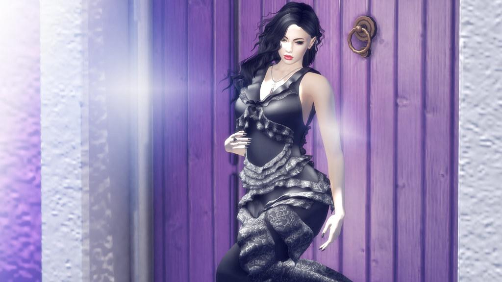 Mistique - Moire Black