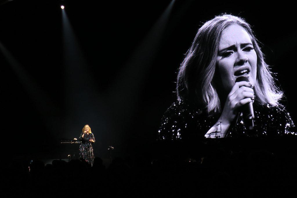 Adele-Live-2016-London-O2-007