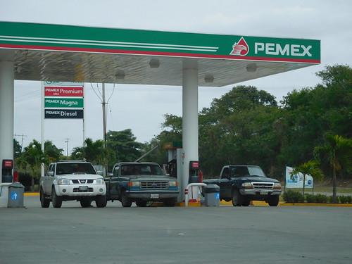 travel car mexico driving pickup vehicle petrol fuel fiat500 travelogue pemex fillingstation
