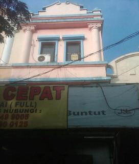 DiJual Ruko 3 Lantai Lokasi Strategis di Cipondoh Tangerang Rp 1,8 M (9)