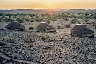 Sonnenaufgang im Doro !Nawas Camp, Damarland