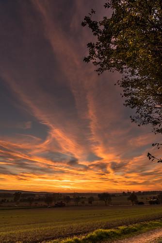 sunset clouds germany landscape deutschland sonnenuntergang feld felder wolken landschaft niedersachsen barsinghausen barrigsen