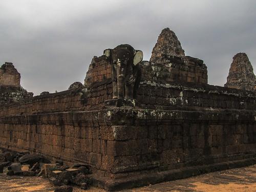 Angkor: le temple du Mébon oriental