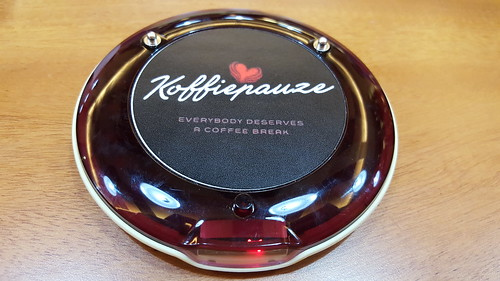 Wireless coffee shop buzzer | Koffie Pauze Opens Its New Home at 100 Roxas Dormitory - Davao Food Trips .com