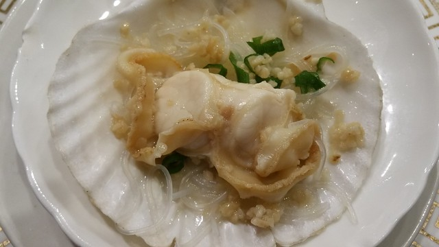 2016-Feb-24 Fortune House - steamed fresh scallop