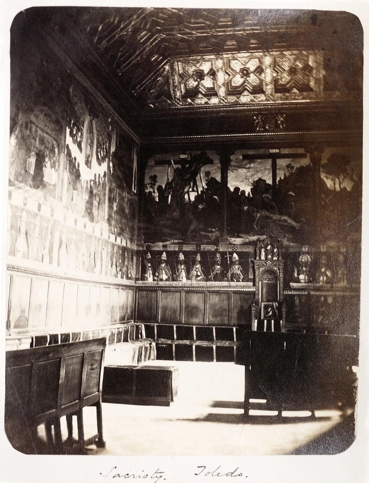 Sacrstía de la Catedral de Toledo hacia 1879. Álbum de la National Gallery con fotos de Casiano Alguacil.
