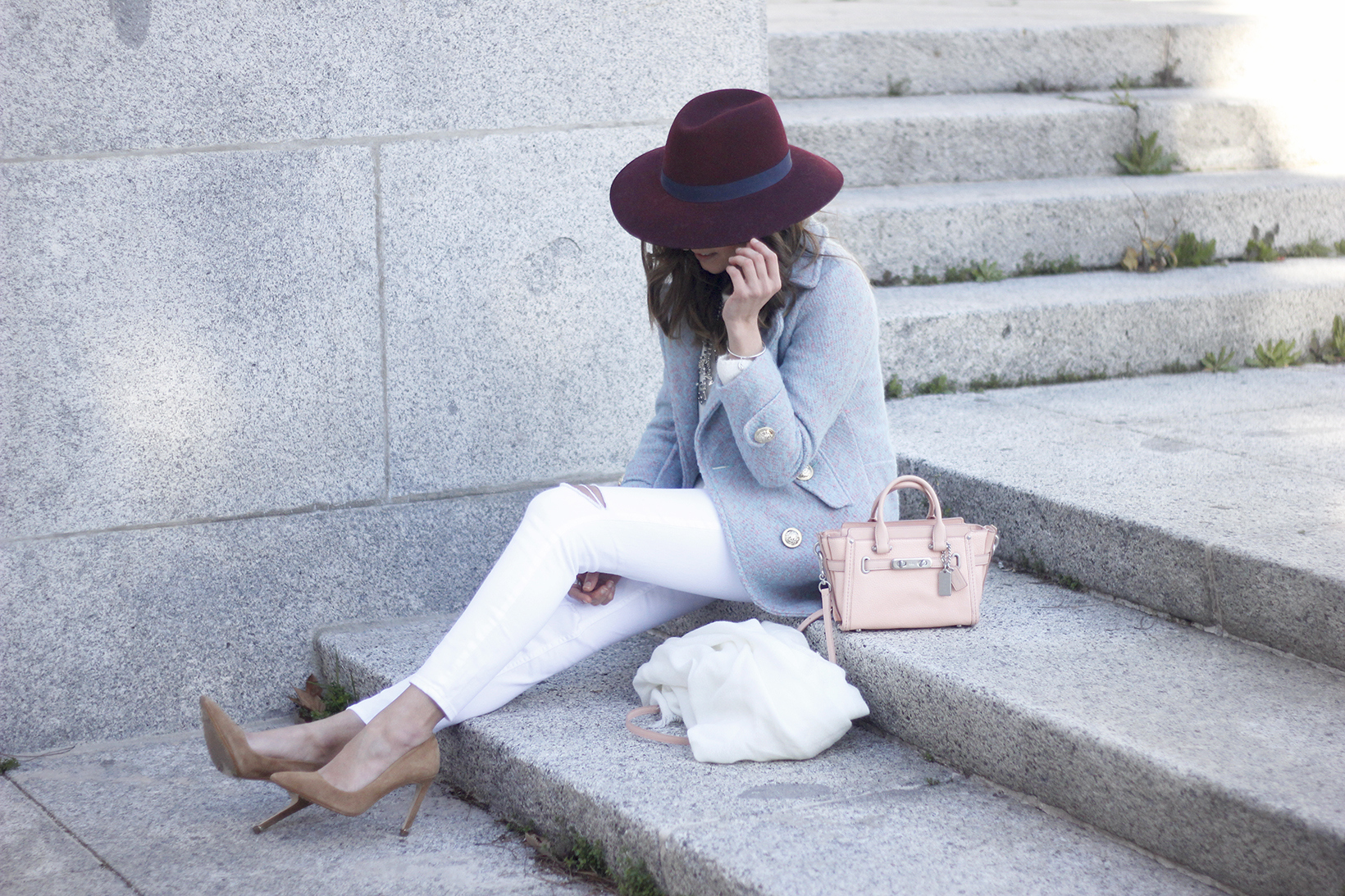 Blue Coat White outfit burgundy hat pink bag coach accessories style01