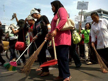 2012-2-15 Indonesia: Domestic Workers Day