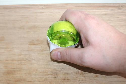 38 - Knoblauch zerkleinern / Mince garlic