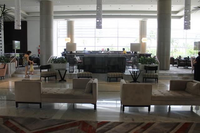 sheraton-bar-lobby