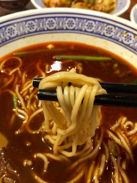 26633829605 db807acf69 z - 『菜菜子專欄』 台中。西區。四川段純貞牛肉麵