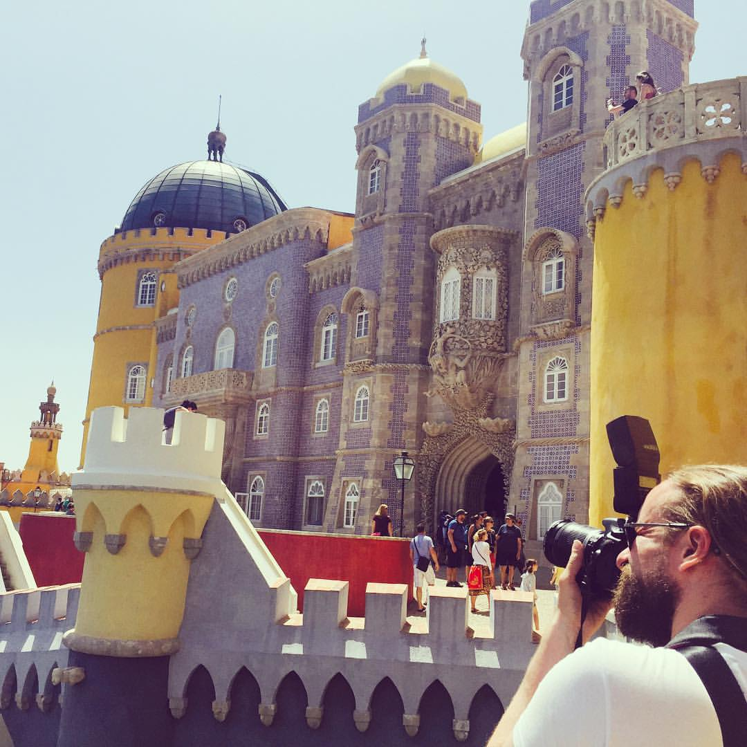 Sintra near Lisbon was one of our holiday highlights last summer. The most stunning place was the Pena National Palace, where a mixture of the One Thousand and One Nights and the lego castle has been pushed through a Disney filter :stuck_out_tongue_winkin
