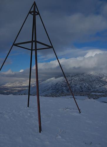 cloud snow landscape utah wasatch peak summit marker saltlakevalley suncrest triangulation lonepeak traversemountains traverserange lebarodea viewbenchmark