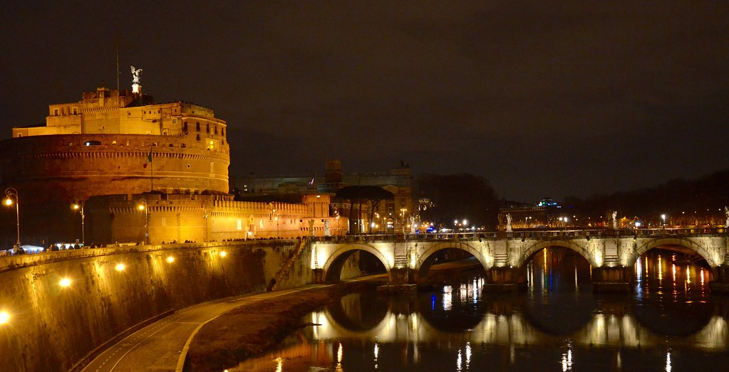 Rome weekend break: ideas for a romantic getaway - Rome at night