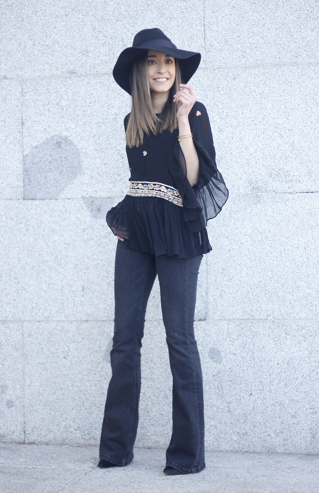 flared jeans boho blouse hat accessories outfit fashion13