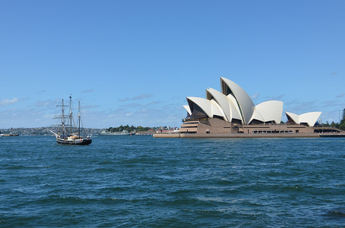 Sydney Opera House and a pirate boat