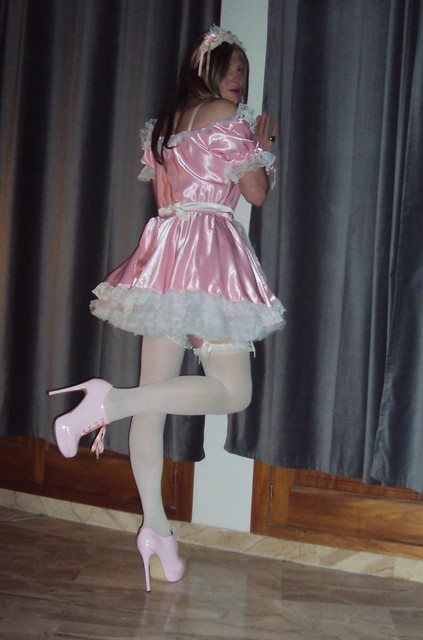PINK SISSY MAID - a photo on Flickriver