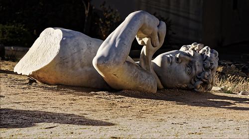 sculpture david dirt michelangelo hdr toppled csuf calstatefullerton topple manual2shothdr manualtwoshothdr