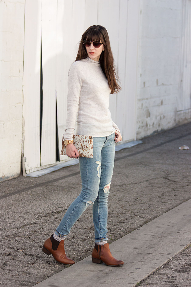 H&M cashmere Sweater, Steve Madden Ankle Booties, Gap distressed jeans