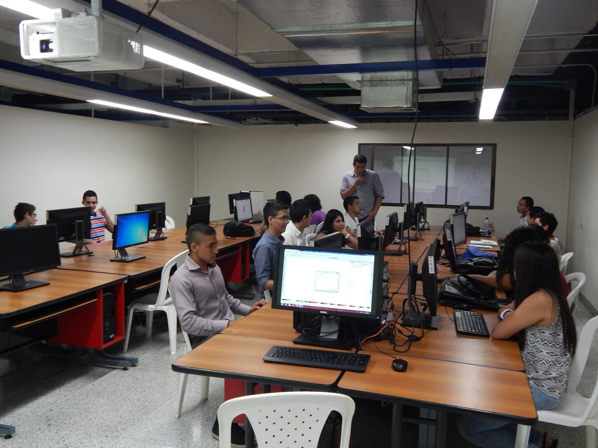 Laboratorio UAO 2015