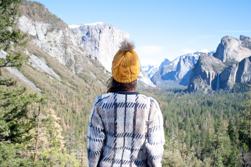 01yosemite-halfdome-travel-plaid-sweater-beanie
