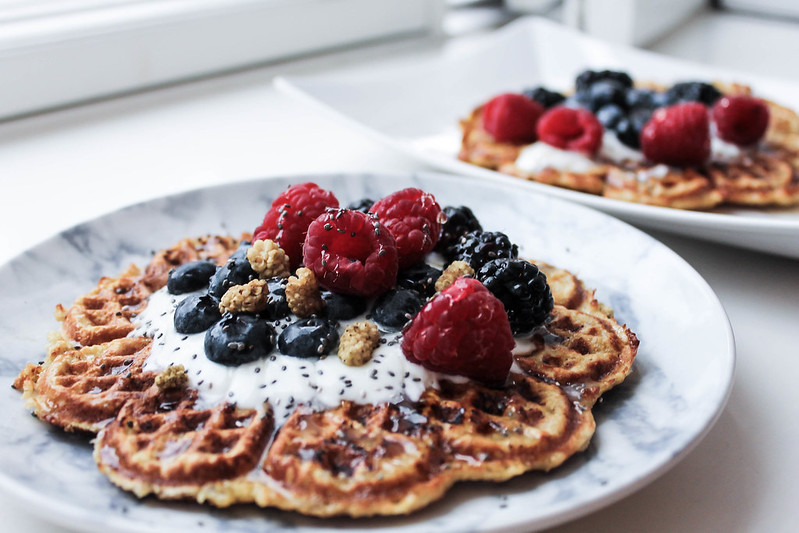 healthy waffles for breakfast