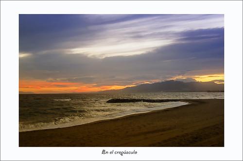 mar olas cambrils ocaso horizonte crepúsculo