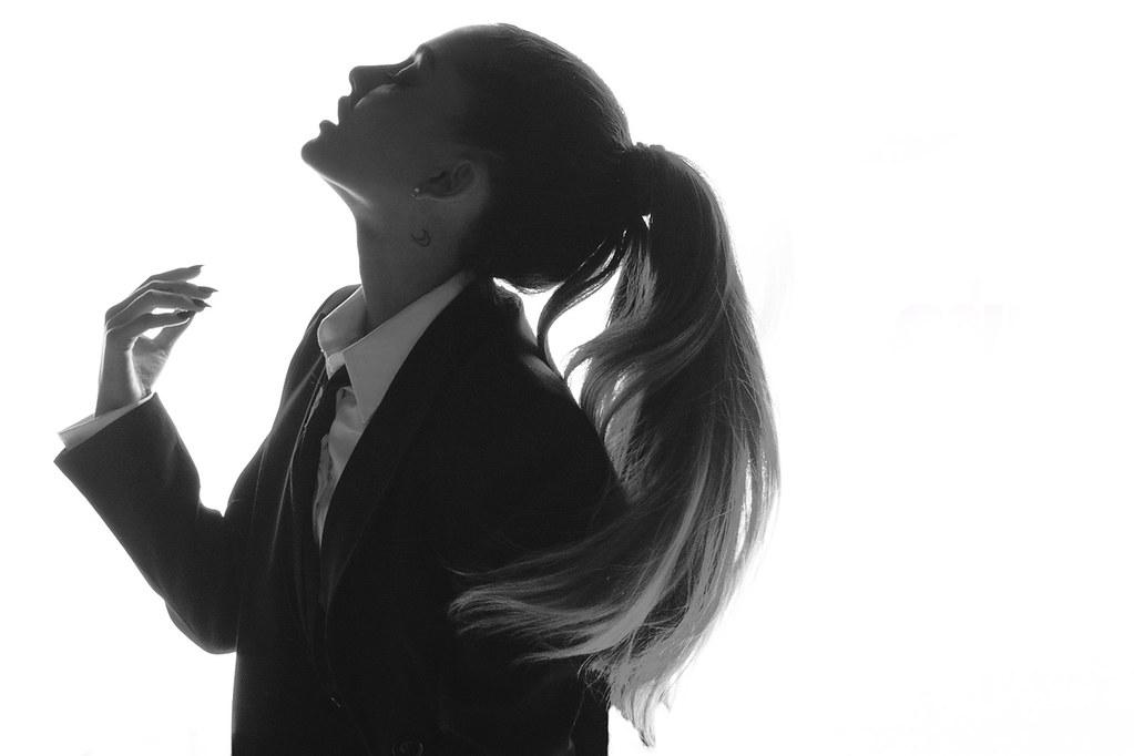 Ариана Гранде — Фотосессия для «SNL» 2016 – 9