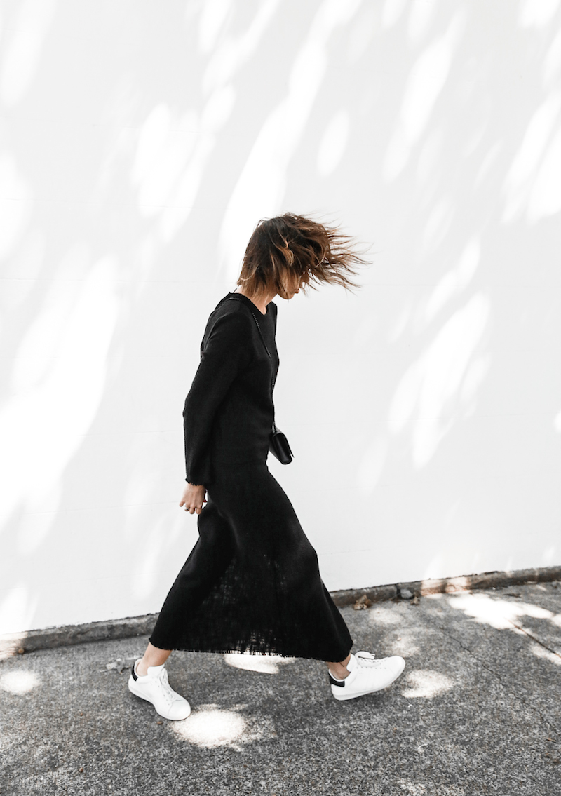 long sleeve maxi dress street style inspo fashion blogger transseasonal YSL chain bag monochrome modern legacy  (3 of 13)