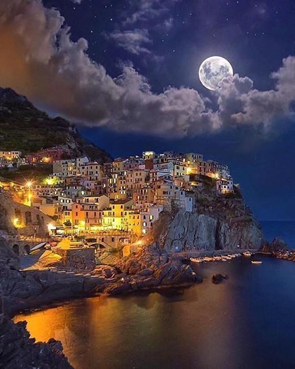 comparateur hotels manarola italy tag a moon