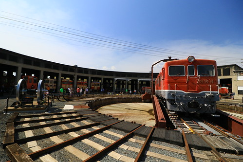 津山まなびの鉄道館 - 転車台と扇形機関車庫