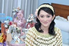 Indonesian Javanese bride wedding make up. Foto pernikahan pengantin Jawa di wedding Kak Amy @diahrahmawatiamy & Kak Gatot di Yogyakarta. Rias by bunda @dior_s_suhartini. Foto by @poetrafoto, http://wedding.poetrafoto.com 👍😊