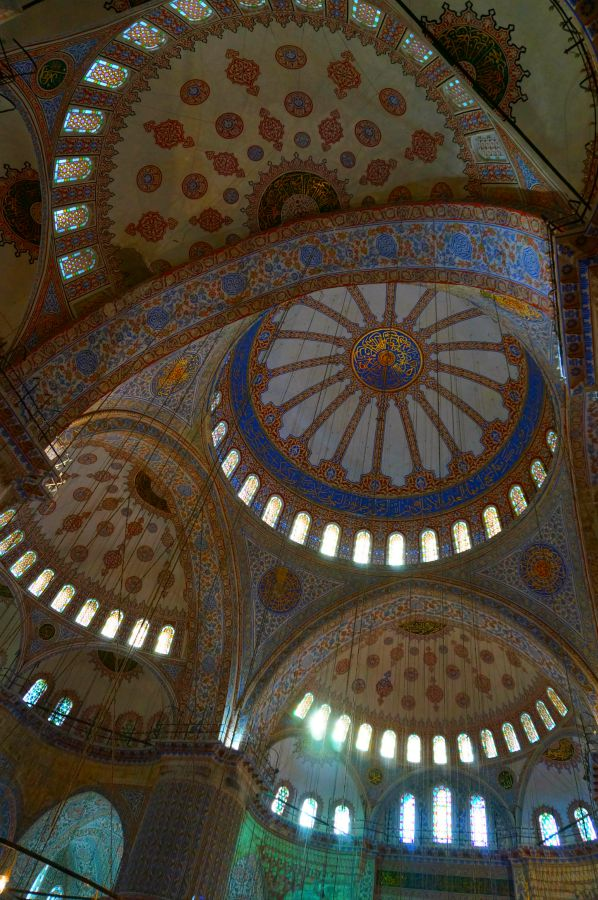 blue.mosque.interior